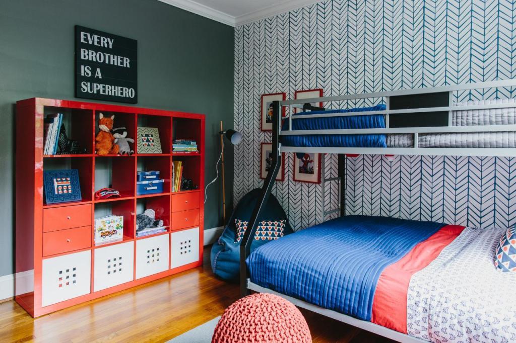 FFOD_Jenna-Buck-Gross_Shared-Boys-Room.jpg.rend.hgtvcom.1280.853