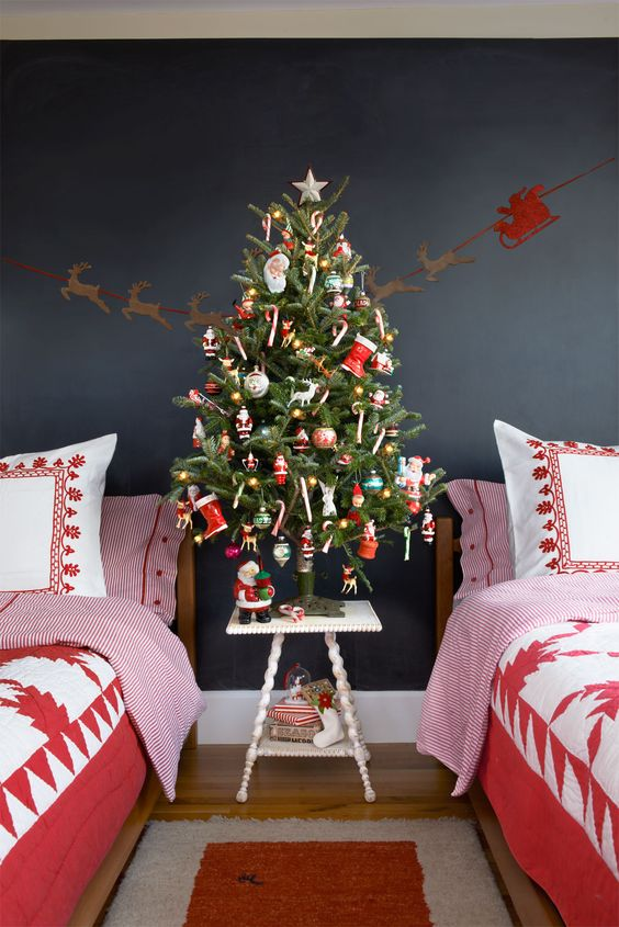 37.-Retro-Christmas-Tree-1